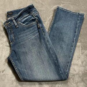 Silver Medium Wash Suki Capri Jeans!